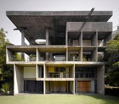 Stock Photo The Shodan House, Ahmedabad, India, Le Corbusier, Shodan house-overall view of rear elevation. Architecture Bauhaus, Le Corbusier Architecture, Architecture Design, India Architecture, Contemporary Architecture, Chinese Architecture, Architecture Office, Futuristic Architecture, Architecture Organique