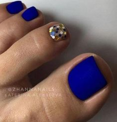 Matte Blue Nails ★ Explore trendy and classy, cute and . Nägel Ideen Schellack Matte Blue Nails ★ Explore trendy and classy, cute and . Gel Toe Nails, Simple Toe Nails, Pretty Toe Nails, Cute Toe Nails, Summer Toe Nails, Toe Nail Art, Pretty Toes, Coffin Nails, Beach Nails