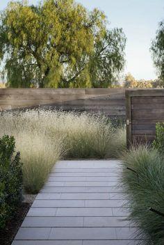 Fences & Gates | Natural wood horizontal slat design | Afficher l'image d'origine