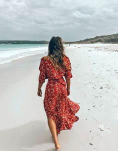 Here are 20 best things to do in Jervis Bay, Australia. Situated about three hours from Sydney, Jervis Bay is a jewel of South Coast New South Wales. Jervis Bay Australia, Coast Australia, Australia Travel, Stuff To Do, Things To Do, East Coast Travel, Valley Of The Dolls, Travel Style, Travel Fashion