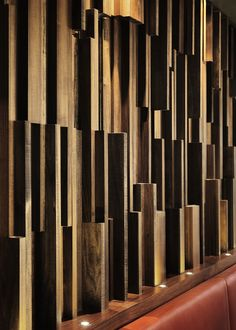Wood wall - Cactus Club Cafe by Campos Leckie Studio. Inspiration Wand, Wood Cladding, Wall Finishes, Acoustic Panels, Wall Patterns, Wall Treatments, Wooden Walls, Wall Wood, Interior Walls