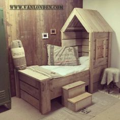 Huisjes bed van steigerhout