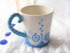 Gorgeous hand painted mug! Painted Coffee Mugs, Hand Painted Mugs, Painted Cups, Pottery Painting, Ceramic Painting, Diy Painting, Crackpot Café, Mug Art, Paint Your Own Pottery