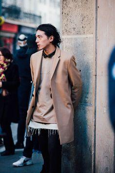 Street looks from Paris Menswear Week Fall/Winter Street Looks, Street Style, Beastie Boys, Men Street, Street Wear, Gentlemans Club, Stylish Men, Men Casual, Mode Hip Hop