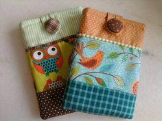 Porta celular feito em tecido  Produto artesanal  Feito sob encomenda  Temos vários tipos de tecido  Consulte - nos R$ 31,50