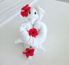 Best of the Maldives: Towel Animals – LUX South Ari Atoll Towel Animals, Maldives Resort, Towel Crafts, Love Birds, Napkin, Paper Art, Origami, Teddy Bear, Toys