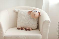 Текстиль, ковры ручной работы. Ярмарка Мастеров - ручная работа Овечка-подушка. Handmade.