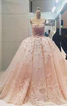 Marvelous Tulle Scoop Neckline Ball Gown Wedding Dresses With Lace Appliques & Flowers Floral Prom Dresses, Quince Dresses, Pretty Dresses, Wedding Dresses, Gown Wedding, Sexy Dresses, Beautiful Gowns, Beautiful Outfits, Sexy Party Dress