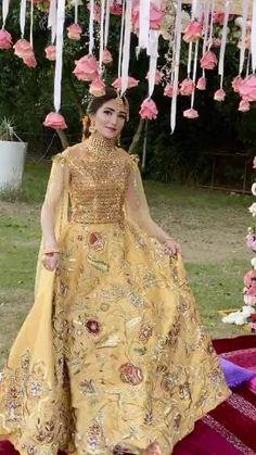 Mehndi Dress For Bride, Bridal Mehndi Dresses, Party Wear Indian Dresses, Asian Bridal Dresses, Asian Wedding Dress, Designer Party Wear Dresses, Pakistani Bridal Dresses, Pakistani Dress Design, Bridal Outfits