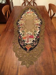 Point Lace, Table Toppers, Sewing Hacks, Cross Stitch Embroidery, Rugs, Home Decor, Manualidades, Embroidery, Farmhouse Rugs