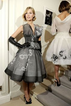 Christian Dior Spring 2012 Couture Fashion Show Beauty Fashion Models, High Fashion, Fashion Show, Womens Fashion, Fashion Designers, Dior Haute Couture, Couture Fashion, Christian Dior, Show Beauty
