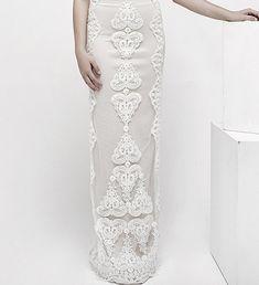 Atemberaubende Hochzeit Kleid v-Ausschnitt und v von Yasminelayani