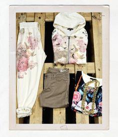Ancora non possiamo parlare di primavera, ma possiamo pensare all'outfit per una bella giornata al parco. Come vestirsi? Ecco due outfit comodi ma di tendenza.