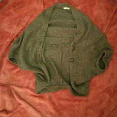 NanaKo Acrylic Batwing Cardigan Brown batwing cardigan from NanaKo. 100% acrylic. Batwing sleeves. Two buttons. Size medium, fits an 8. Worn once. Super cozy and warm. Excellent condition. NanaKo Sweaters Cardigans