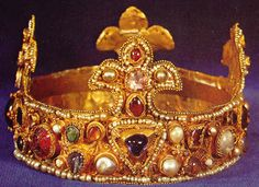 Crown of the Golden Madonna. The Golden Madonna of Essen is ca. 980. In about 993, Emperor Otto III donated this crown, which is believed to have been his coronation crown, and does appear at any rate to have been made for a child originally, as it's quite small.