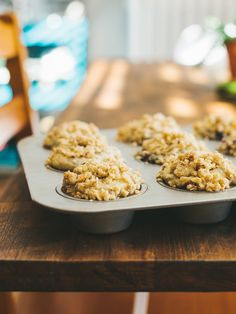 Blueberry muffins with almond crumb topping. Made them with spelt flour, and in a brownie pan, they turned out great :)
