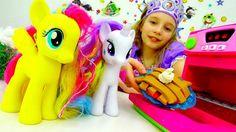 Игры пони. #ЛитлПони и #Принцесса СОФИЯ готовят ПЛЕЙ ДО пирог! Видео для...