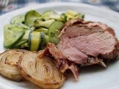 Sertés szűzpecsenye grillezve, cukkini salátával és sült padron paprikákkal