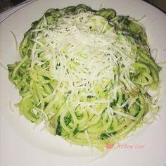 Spenótos spagetti - Otthon ízei Spagetti, Cabbage, Bacon, Vegetables, Ethnic Recipes, Food, Vegetable Recipes, Eten, Veggie Food
