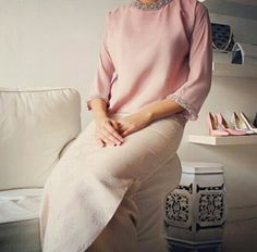 Pastel. Love the colour combo. And songket skirt. Looks great for bridesmaid