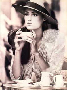 Vogue US - Fashion 88 Perfect Contrasts - Yasmine Le Bon & Linda Evangelista - dec 1987. Photos PETER LINDBERGH