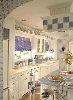 Love this cozy kitchen!