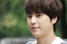 What are u doing with your mouth, cho kyuhyun?