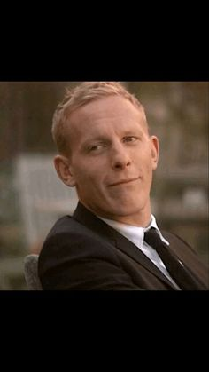 That smile makes my day <3 Inspector Lewis, Inspector Morse, Laurence Fox, Masterpiece Theater, Tv Series To Watch, British Humor, Detective, Good Wife, British Actors