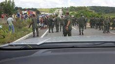 Fuzileiros acabam com bloqueio de rodovia no Rio de Janeiro | Blog do X Men | Portal Militar