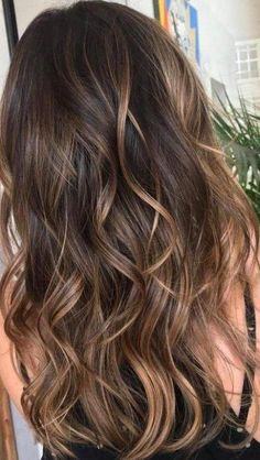 Caramel Balayage Highlights, Brown Hair Balayage, Hair Color Balayage, Caramel Balayage Brunette, Brunette With Highlights, Balayage Brunette Long, Brown Hair With Caramel Highlights, Highlighted Hair For Brunettes, Highlighted Hairstyle