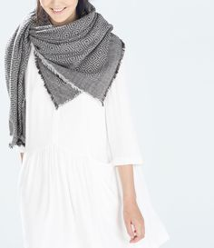 Image 2 of PRINTED SCARF from Zara