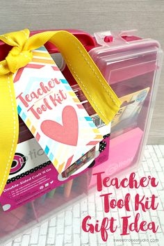 Teacher Tool Kit Gift Idea with FREE printable tag, perfect for Back to School or Teacher Appreciation!
