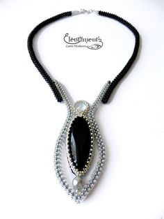 Moon tear necklace (sold) : A very elegant art-deco style necklace, with beadwoven straps in craw technique Zipper Jewelry, Seed Bead Jewelry, Bead Jewellery, Bead Embroidery Jewelry, Beaded Jewelry Patterns, Bracelet Patterns, Selling Jewelry, Necklace Designs, Fashion Necklace