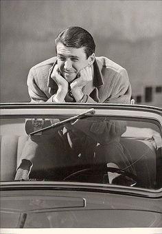 Jimmy Stewart Old Hollywood Actors, Golden Age Of Hollywood, Vintage Hollywood, Classic Hollywood, Hollywood Icons, Vintage Tv, Classic Movie Stars, Classic Movies, Gloria Stewart