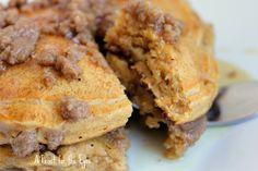 Feast for the Eyes: Pumpkin-Cinnamon Streusel Pancakes