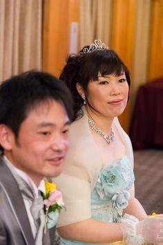 富士宮市 稲葉様ご夫妻(浮月楼にて) ドレスの可愛らしい雰囲気とティアラがよく合っていらっしゃいますね。末永くお幸せに!