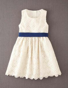 The perfect flower girl dress... and she'll want to wear it again. #flowergirl These could be made!!!