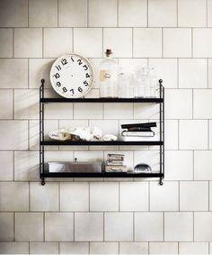 by design - String - string pocket black shelves black String Pocket, Timber Shelves, Black Shelves, Home Interior, Interior And Exterior, Interior Decorating, Modern Interior, Decorating Ideas, String Regal