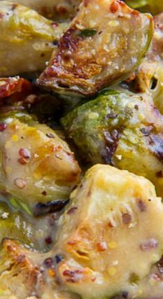 Gebratener Rosenkohl und Speck in einer Senfcremesoße Fried Brussels sprouts and bacon in a mustard cream sauce Source by meaganpig The post Fried Brussels sprouts and bacon in a mustard cream sauce appeared first on The most beautiful salads. Roast Recipes, Side Dish Recipes, Cooking Recipes, Healthy Recipes, Vegetable Sides, Vegetable Recipes, Roasted Vegetables, Veggies, Mustard Cream Sauce