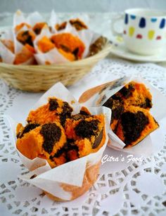 Citra's Home Diary: Bolu Kukus Mekar jeruk sunkist (Indonesian Orange steamed cupcake). #jajanpasar #indonesiansnack. #bolukukusmekar
