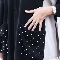 "155 Likes, 1 Comments - SUBHAN ABAYAS (@subhanabayas) on Instagram: ""Repost @vandellaline with @instatoolsapp ・・・ ▫️◼️ الدانـة ◼️▫️ Price : 1000 QR . #abayas #abaya…"""