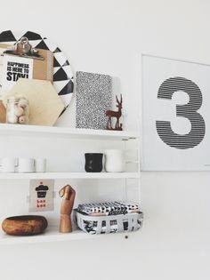 Shopinstijl.nl - Wit wandrek vol met leuke items - bekijk en koop de producten van dit beeld op shopinstijl.nl
