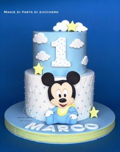 Baby mickey mouse - cake by Mariana Frascella Mickey Mouse Torte, Festa Mickey Baby, Mickey Birthday Cakes, Boys First Birthday Cake, Mickey Mouse First Birthday, Minnie Cake, Mickey Cakes, Birthday Kids, Cake Birthday
