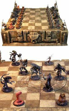 Alien v Predator Chess! Alien Vs Predator, Aliens, Xenomorph, Backgammon, Chess Set Unique, Kings Game, Chess Pieces, 3d Prints, Game Design