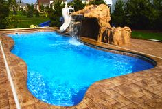 Can you believe this is a fiberglass pool. No replaster! www.diyhomedesignideas.com