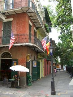 pirates alley bar new orleans - love love