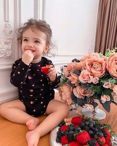 Baby Tumblr, Girls Dresses, Flower Girl Dresses, Wedding Dresses, Fashion, Dresses Of Girls, Bride Dresses, Moda, Dresses For Girls