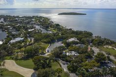 10 CANNON POINT, KEY LARGO, FL - Luxury Pulse Real Estate - United States - For sale on LuxuryPulse. Key Largo Fl, Sport Fishing, South Beach, Luxury Real Estate, Hotels And Resorts, Luxury Homes, Florida, United States, Real Estates