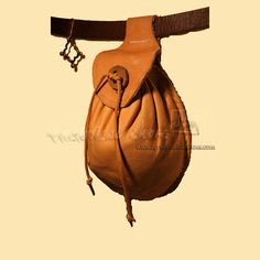14th - 16th century Leather Pouch http://www.np-historicalshoes.com/