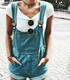 Macaquinho Jeans  • Jeans Overalls...